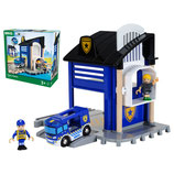 Polizeistation mit Einsatzfahrzeug