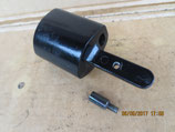Blinkerhalteradapter mit Befestigungsbolzen