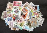 100 verschiedene Uniformen - Motivbriefmarken