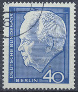 235 gestempelt (BERL)