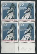 BERL 391 postfrisch Viererblock mit Bogenrand unten