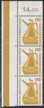 832 postfrisch senkrechter Dreierstreifen mit Eckrand links oben (RWZ 14,00) (BERL)