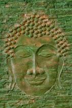 Buddha voll, in grün,  sepia, grau und violett