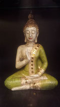 Thaise Boeddha met spiegeltjes groen