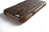 iPhone Echtholzhülle mit eingefräster Struktur