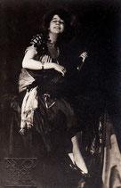 František Drtikol - Frau mit Laute (Ervina Kupferova), 1919