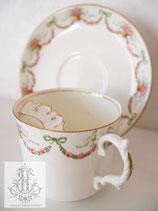 184. エインズレイ社 リボンの口ひげカップ(英1900年前後)Aynsley Ribbon Mustache Cup