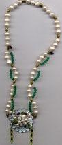 Perlen-Halskette mit Perlmuttverschluss
