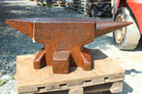 # 3384 - massive industrial east german anvil with 612,5 lbs weighed