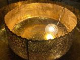 Goldschale mit Ausstanzungen