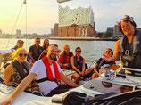 """NEU 2019! """"Cruise and Sail"""".  Ab/An HAMBURG. Preis für 1 Person. Dauer: 2,5 Stunden"""