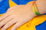 Friedens-Armbänder zum Basteln