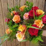 Rosenstrauss in kräftigen Farben