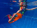 Anfängerlektion Meerjungfrauen und Neptunschwimmen