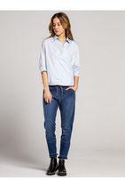 Moderne lässige Jeanshose
