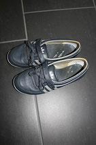 Sneakers (Adidas)
