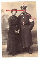 Portrait WK1 Sanitäter mit Frau- Armbinde mit gut sichtbaren Abnahmestempel