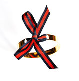 Bracelet jonc doré ruban bleu marine et rouge