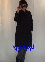 Manteau jacquard de laine noir et fils irisés
