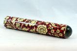 """Oktaskop in einer Kartonhülse, Motiv """"Ranken auf rotem Grund"""" ca. 20 cm Länge, Umgebungs-Kaleidoskop"""