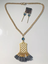Gold Tassel Necklace w/Earrings