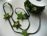 1m Filzband mit Sternen + Knöpfen grün