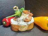 Salsiccia auf einem Pfefferrahm Dip