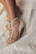 The Lace 10