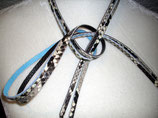 2 Lederriemchen Python natur / Glattleder hellblau