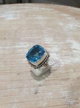 Bague Topaze bleue carrée
