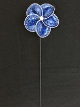 Blume blau, Zackenrand