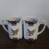 Mugs décor rouen et Léopards  des deux côtés faience de desvres