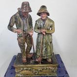 Couple Vieux Bretons avec leur canne Faience de Desvres Hauteur 42 cm  Longueur du Socle 25 cm par 13 cm