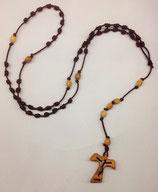 Rosario Francescano artigianale con grani in ulivo e Tau con Cristo traforato e scritta Assisi