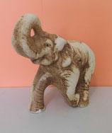 Elefant aus Keramik