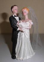 Brautpaar mit langem Schleier