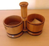 Kleines Gefäß aus Holz für Salz und Pfeffer – UdSSR