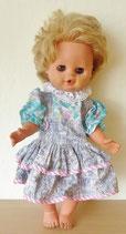 Hübsche Puppe/Pullerpuppe mit Kleid