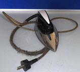 Altes Bügeleisen mit Kabel - DDR