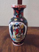 Kleine Vase mit chinesischem Dekor