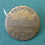 """Abzeichen/Anstecker – Reichstag """"Besuch in Berlin"""" - DDR"""
