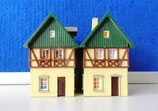 2 kleine Fachwerkhäuser mit Gaube