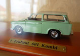 Trabant 601 Kombi - Modellauto im Schaukasten
