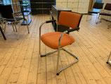 2 x DAUPHIN Freischwinger Besucherstuhl Orange