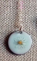 Small Round White Daisy Necklace in Sterling Silver