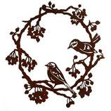 Rostring mit Vögeln und Beeren