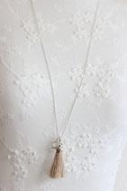 Silberhalskette mit Quaste nature und runder Regenbogen Mondstein-Anhänger