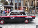 Recogida en Madrid capital con un antético taxi de 1964