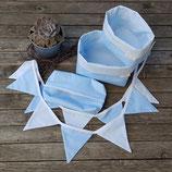 2 Stoffkörbchen, 10er Wimpelkette & Feuchttuchhülle blau-weiß Punkte
