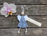 Engel aus Filz in grau meliert mit kleiner Nachricht von ❤
